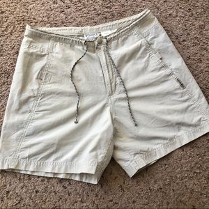Columbia beige hiking shorts, size medium